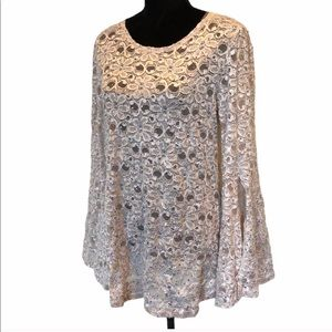 NWT Laura cream longsleeve pullover top size large